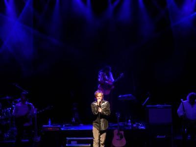PJ Olsson Live